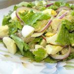 Салат с сельдью и красным луком