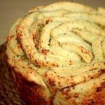 Обезьяний хлеб с чесночным маслом