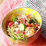 Средиземноморский салат с креветками