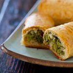 Греческие пирожки с брокколи и фетой