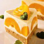 Йогуртовый торт с персиками и лимоном