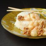 Креветки в меду с грецкими орехами