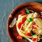 Быстрая паста с овощами и зеленью